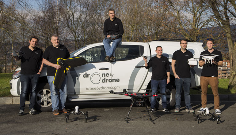 Equipo Drone by Drone